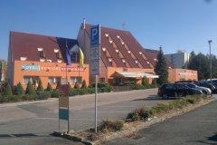 Hotel-Benica-Benešov-Provedení-přístaveb-salonků-a-zateplení-fasád